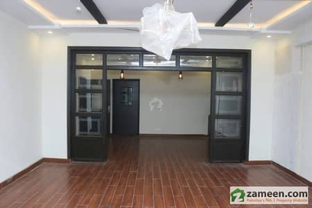 Full Modern Style Corner Bungalow For Rent On Main Sarwar Road Cantt