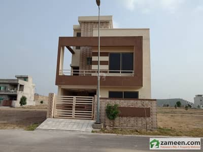 House Is Available For Sale In D Block