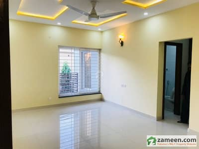 E-11/4 35x65 Three Storey House 6 Bedrooms With Stylish Bathrooms Fittings