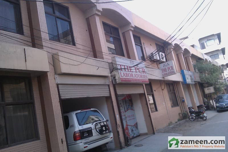 7 Flats Top Location on Jail Road 27 Marla Building Near Race Course Park For Sale