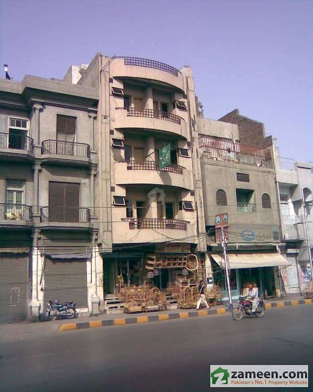 Room Available For Rent In Hajvairy Boys Hostel