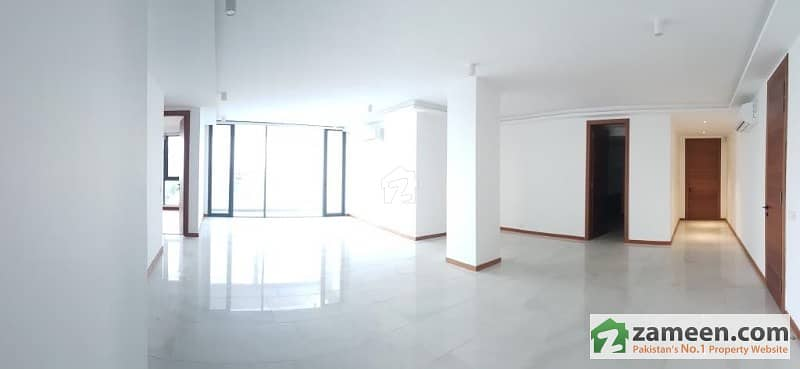 3 Bedroom Luxury Apartment Penthouse - Main Gulberg Lahore