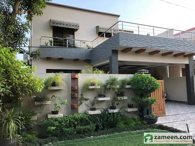 10 Marla Beautiful Double Storey House Is Available For Sale