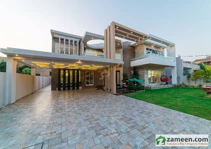 Magnificent 2 Kanal House With Swimming Pool  Home Theater For Sale