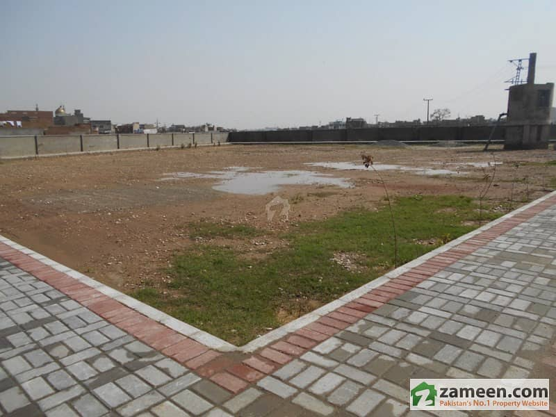 Farm House For Sale On Islamabad Expressway