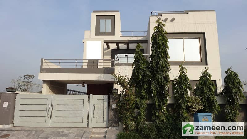 10 Marla House For Sale In DHA Phase 8 Ex Air Avenue