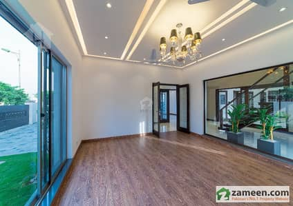 1 Kanal Brand New Exotic Elegant Design Bungalow