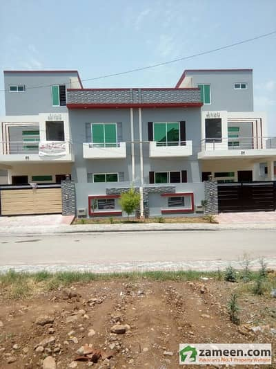 3 Bed Portion 1 Bed On Roof With Bath Luxury Design