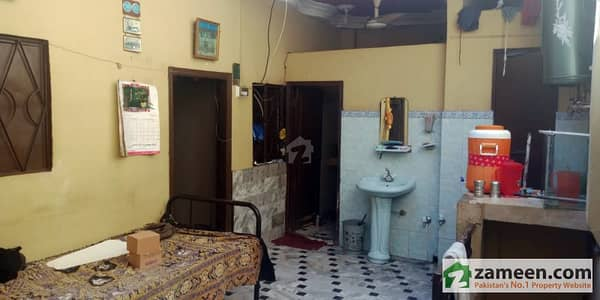 House Available For Sale In Latifabad