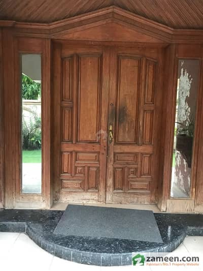 3 Kanal 3 Marla Blue Commercial House Is Available For Sale In Gulberg With Basement