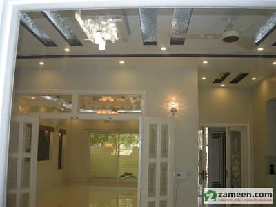 10 Marla Very Beautiful Constructed House For Sale In Bahria Town
