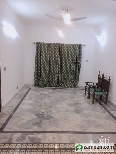 Room For Rent In Angel Vip Girls Hostel