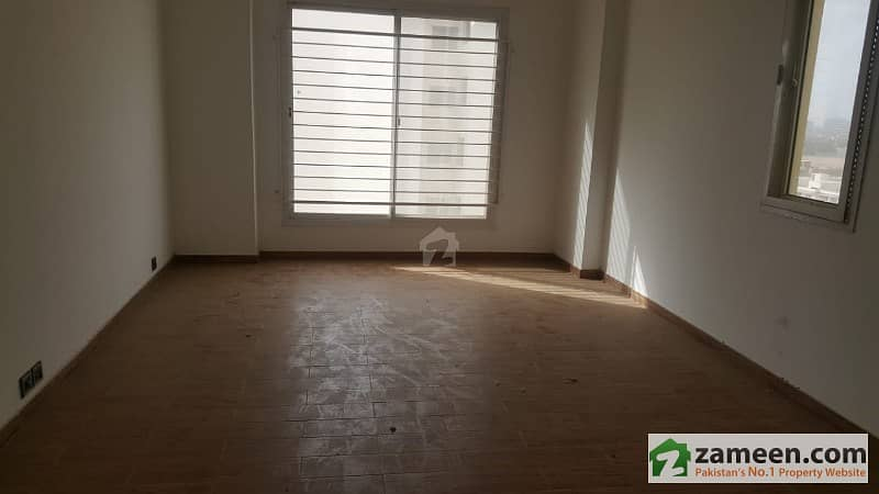 2000 Sq Ft 3 Bedrooms Apartment For Sale In Clifton Block 8 Karachi