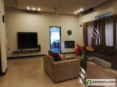 10 Marla Slightly Used  Royal Design  Bungalow  For  Rent  In Dha Phase V