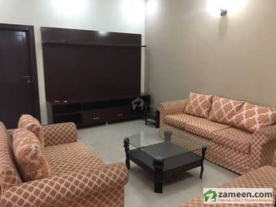 Sector C1 10 Marla House Portion For Rent