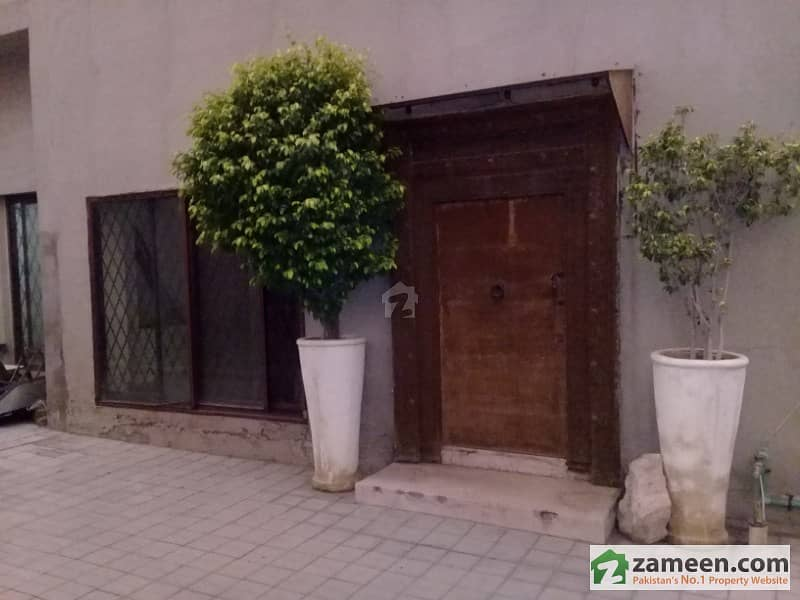 Gulberg Mm Alam Road 2 Kanal Portion Is Available For Rent For Restaurant, Saloon