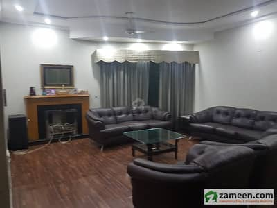 1 Kanal Beautiful Full Furnished House Available For Rent