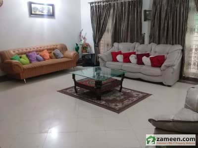 1 Kanal Beautiful House With Gas Is Available For Rent