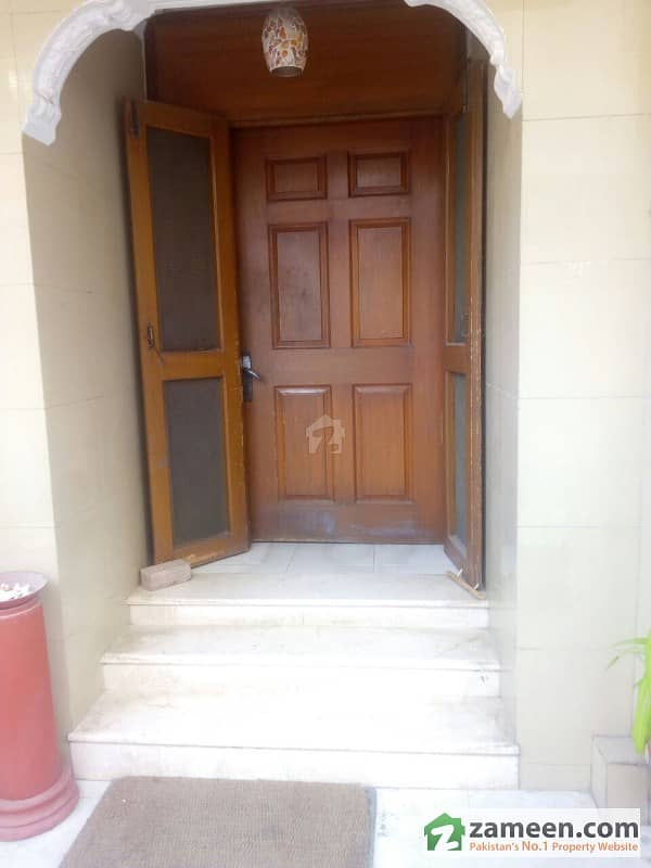 4 Bed Rooms Portion For Sale Ground Floor For Sale