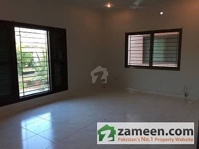 300 Yards 3 Year Old Slightly Used Out Class Bungalow For Rent Dha Phase 6 38 Street Off Ittehad