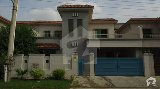 Good Location 10 Marla 3 Bedroom SD House For Sale In Askari 11 Lahore