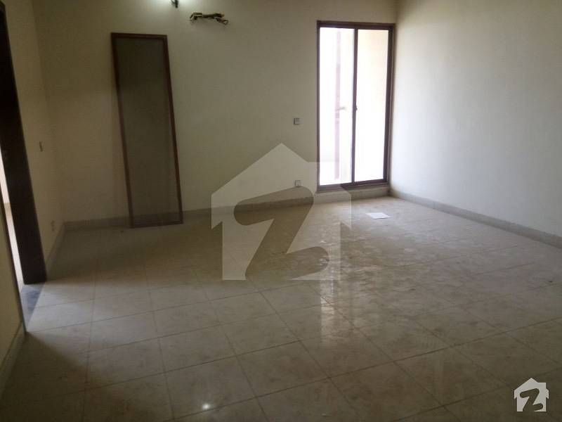 3 Bed Room Apartment Available For Rent 3rd Floor Facing Park