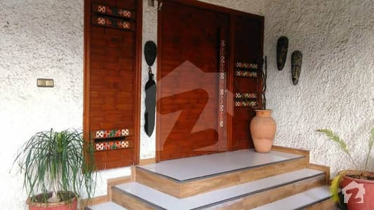 2 Kanal Fully Furnished Beautiful Slightly Used Spanish Royal Design Modern Luxury Bungalow For Rent In Cantt