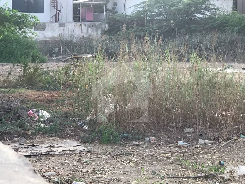 3704 Sq Yard Commercial Plot For Sale On Main Clifton - Block 7