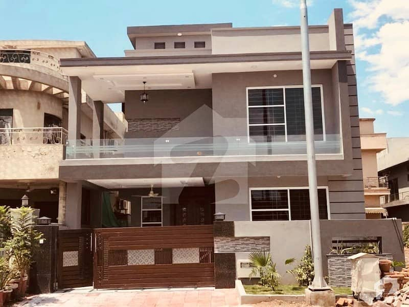 Brand New Modern 5 Bedroom 10 Marla House For Sale