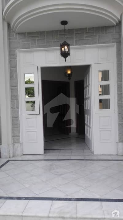 1 Kanal Lower Portion Common Gate For Rent Available Prime Location