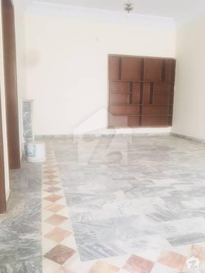 ایف ۔ 10 اسلام آباد میں 5 کمروں کا 1 کنال مکان 1.35 لاکھ میں کرایہ پر دستیاب ہے۔