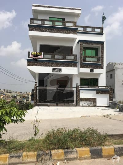 House Available For Sale In Jinnah Garden