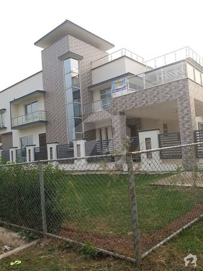 1 kanal almost new house at prime location in E-11