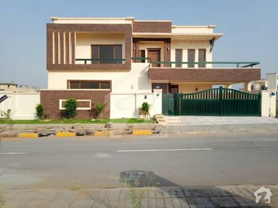 1 Kanal Gorgeous House For Sale In Bahria Town Phase 8