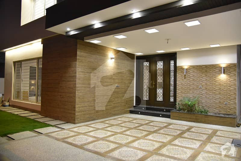 Luxurious Bungalow For Sale In Dha 2