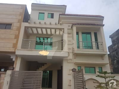 Double Unit Boulevard House For Sale In Rafi Block At Reasonable Price