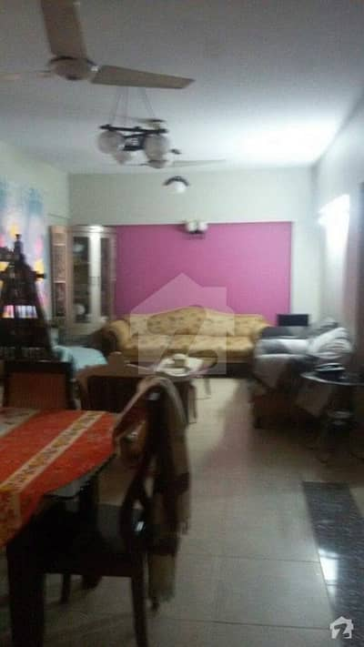Full Floor Flat Is Available For Sale In Big Bukhari Commercial Area