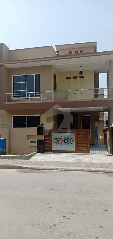 10 Marla Newly Constructed House
