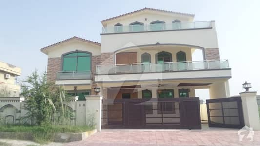 1 Canal Perfect House For Sale