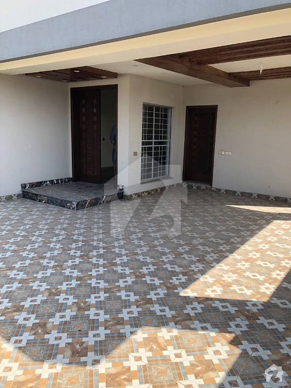 1 Kanal Brand New House Is Available  For Rent