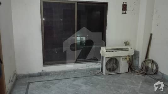 Mustafa Town 5 Marla Beautiful Flat For Sale 40 Lac