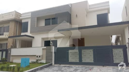 Brand New Triple Storey House Available For Sale