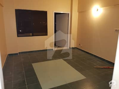 3 Bed Dd 4th Floor Lift Parking Flat Fro Sale