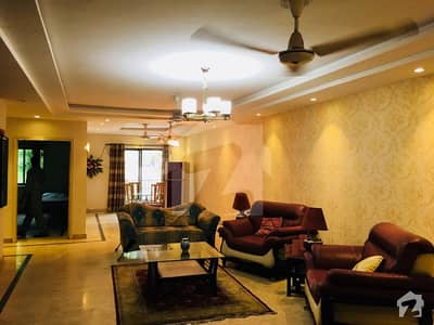 10 Marla Fully Furnished Flat Opposite DHA Phase 2 Q Block