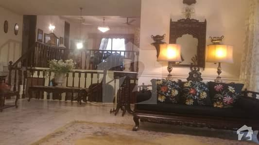 Cantt near Mall of Lahore24 Marla house for rent