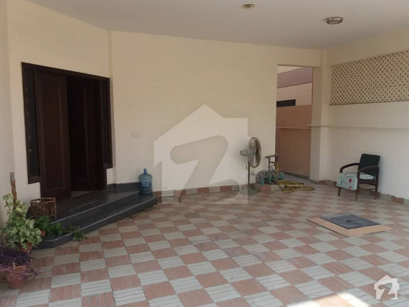 عسکری 4 گلستانِ جوہر کراچی میں 5 کمروں کا 1 کنال مکان 12.2 کروڑ میں برائے فروخت۔
