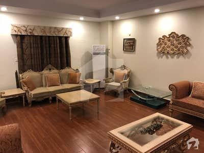 2700 Sq Ft Well Maintain Flat For Sale