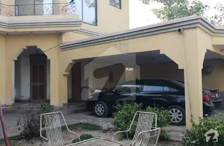 Beautiful 1 Kanal House Available For Sale In Block I