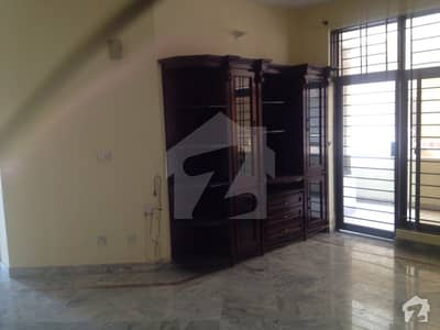555 Square Yards Out Class Upper Portion available for Rent