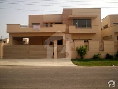One kanal brigadier house double storey house for sale